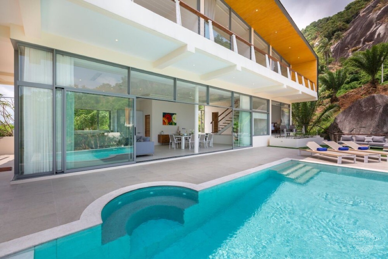 bedroom villa for sale balinese style Maenam Koh Samui