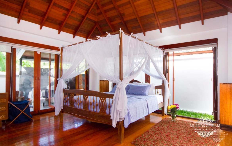 Maenam Beach Private Villa for sale