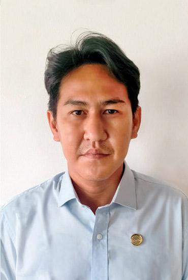 Mr. Praphan Yaemklang Architect
